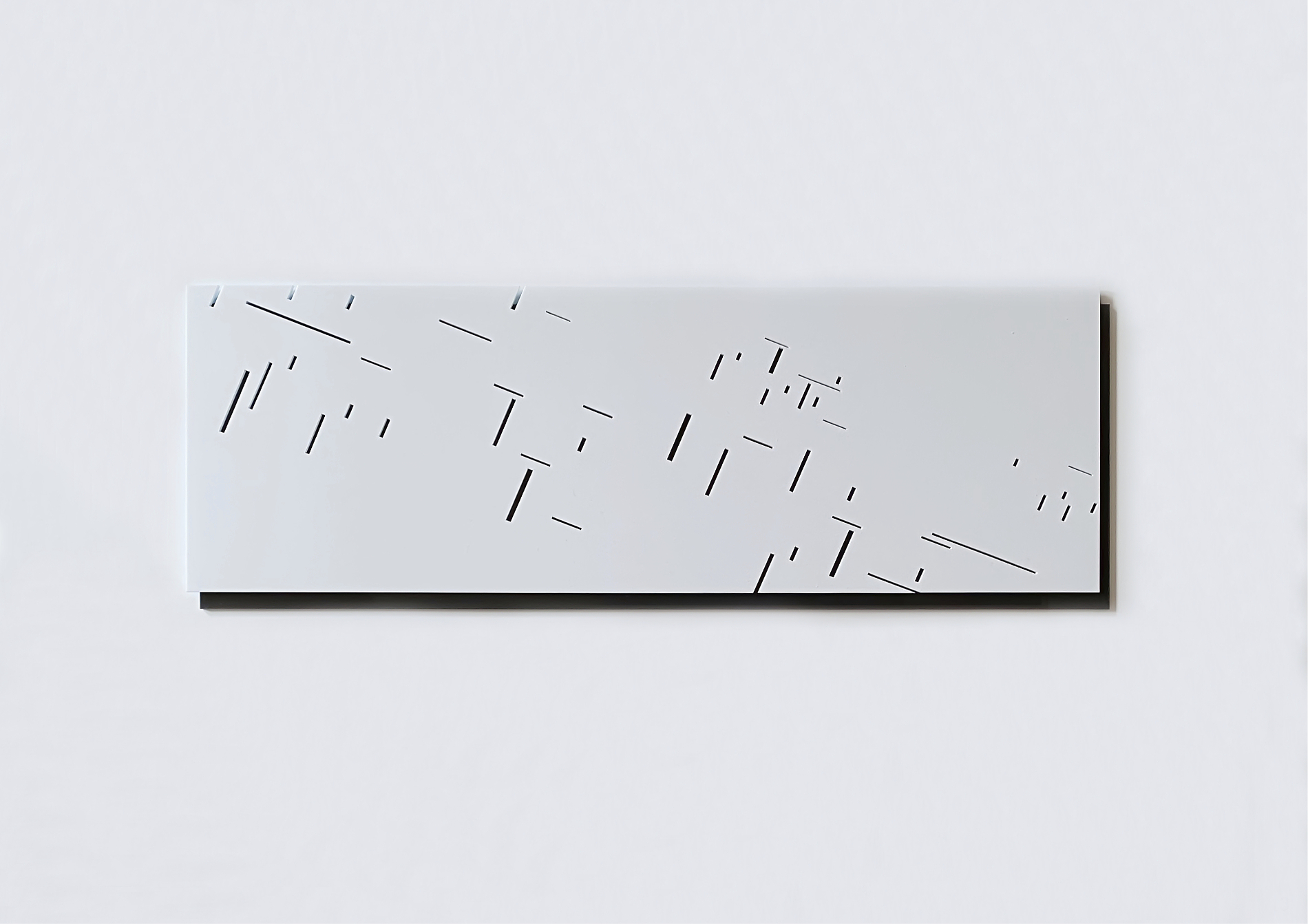 rethink_#3_2021_perspex black and white s/w_21 x 61 x 0,6cm
