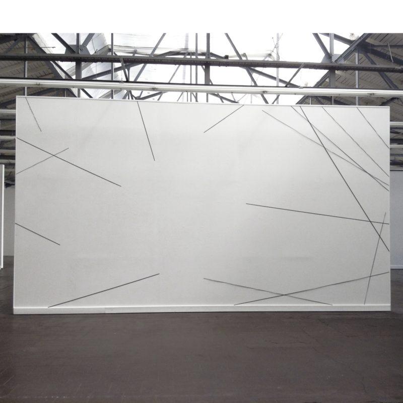 wall drawing 3.2_2017_tissue dyed, steel pins_300 x 580 x 1 cm verein für aktuelle kunst ruhrgebiet e.v. oberhausen