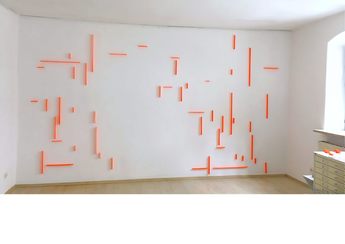 wall drawing 05_2020_tissue, steel pins_275 x 480 x 4 cm